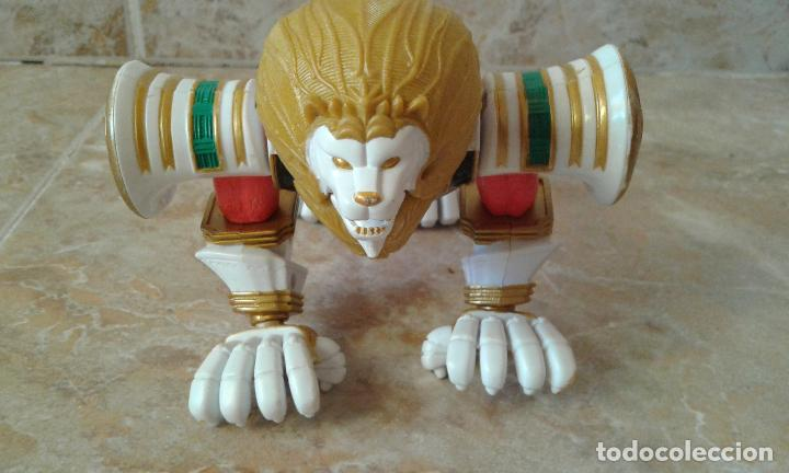 Figuras y Muñecos Power Rangers: Lote Power Rangers, Dragon Red Xtrem Mystic Force y dos figuras, Legendary Lion y Legendary Phoenix - Foto 9 - 134515390