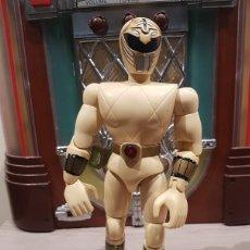 Figuras y Muñecos Power Rangers: FIGURA ARTICULADA POWER RANGER GRANDE ELECTRONICO BLANCO 1995 BANDAI. Lote 136331374