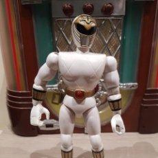 Figuras y Muñecos Power Rangers: POWER RANGER BLANCO 21CM BANDAI. Lote 144105634