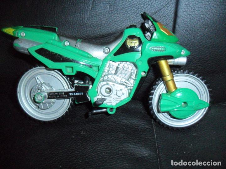 MOTO BIKE GREEN RANGER - POWER RANGERS FUERZA MISTICA, MYSTIC FORCE 2005 BANDAI (Juguetes - Figuras de Acción - Power Rangers)