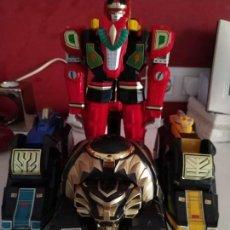 Figuras y Muñecos Power Rangers: TRANSFORMER POWER RANGERS CON PLATAFORMA. Lote 170715285