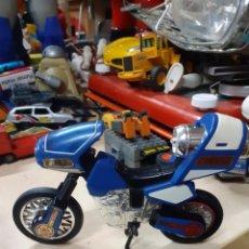 Figuras y Muñecos Power Rangers: MOTO POWER RANGER AZUL.BANDAI 1996.INCOMPLETA.. Lote 175933319
