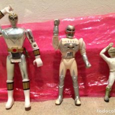 Figuras y Muñecos Power Rangers: LOTE ,TRES FIGURAS POWER RANGERS BRILLANTE ,PLATEADO,DORADO.BANDAI 95.Y DOS ANTERIORES DE GOMA.. Lote 184401918
