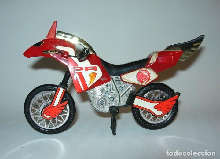 POWER RANGERS MOTO BANDAI 94 ROJA (Juguetes - Figuras de Acción - Power Rangers)