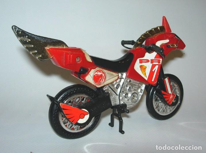 Figuras y Muñecos Power Rangers: Power Rangers Moto Bandai 94 roja - Foto 4 - 184728900