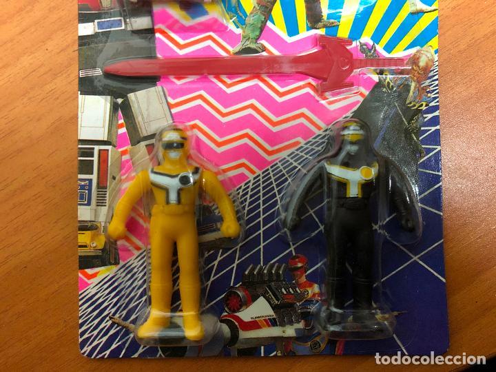 Figuras y Muñecos Power Rangers: 3 blister Power rangers , con los 3 se monta el robot grande - Foto 6 - 193808667
