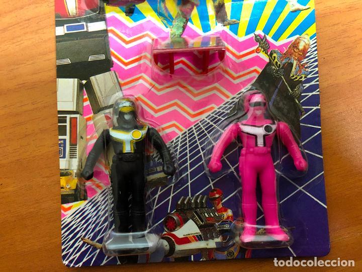 Figuras y Muñecos Power Rangers: 3 blister Power rangers , con los 3 se monta el robot grande - Foto 8 - 193808667