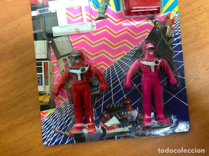 Figuras y Muñecos Power Rangers: 3 blister Power rangers , con los 3 se monta el robot grande - Foto 10 - 193808667