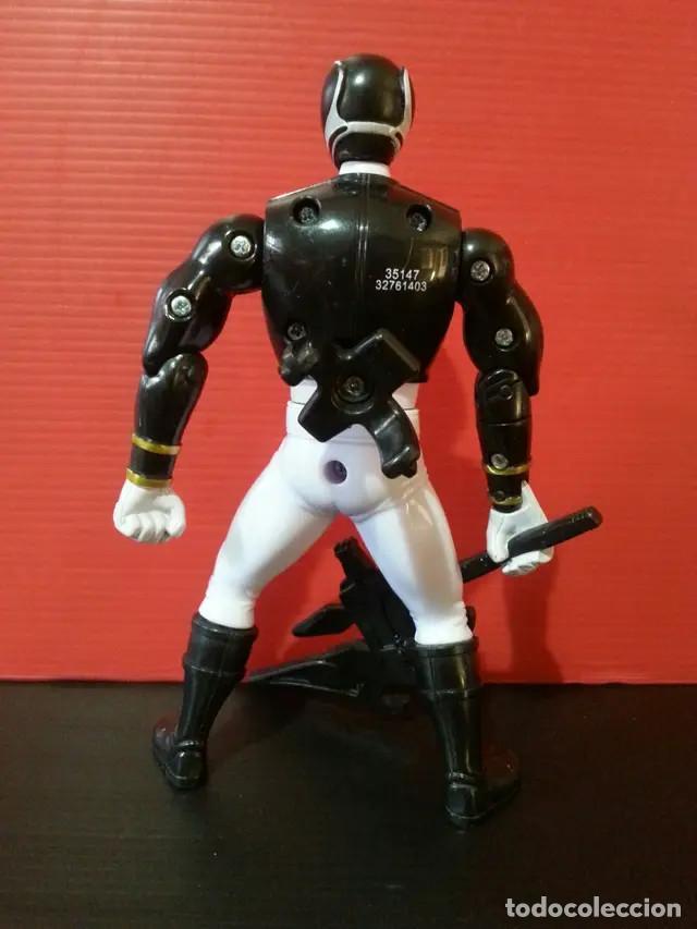 Figuras y Muñecos Power Rangers: Figura muñeco de acción de los power rangers de bandai megaforce negro con su arma - Foto 2 - 194281903