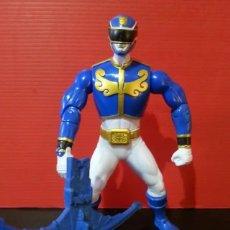 Figuras y Muñecos Power Rangers: FIGURA MUÑECO DE ACCIÓN DE LOS POWER RANGERS DE BANDAI MEGAFORCE AZUL CON SU ARMA. Lote 194281987