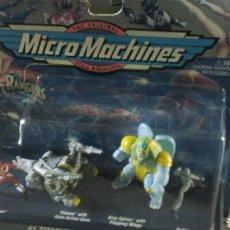 Figuras y Muñecos Power Rangers: MICROMACHINES TITANUS VS KING SPHINX. Lote 194495731