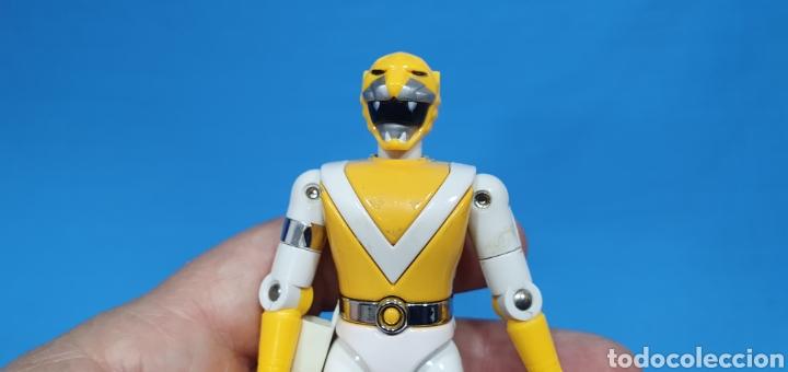 Figuras y Muñecos Power Rangers: LOTE DE 3 FIGURAS DE POWER RANGERS - BANDAI O BIOMAN LA MOTO ES DEL 94, LA AMARILLA ES METALICA 1988 - Foto 4 - 219467660