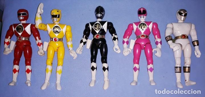CINCO FIGURAS POWER RANGERS ARTICULADAS CON ACCION TRASERA BANDAI AÑOS 90 (Juguetes - Figuras de Acción - Power Rangers)