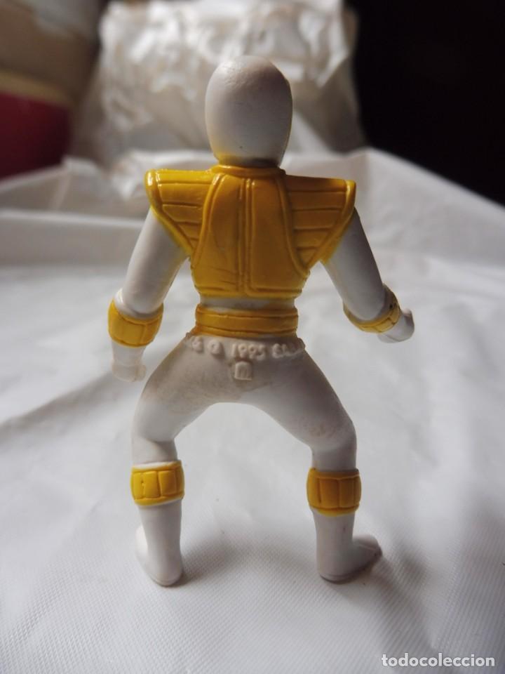 Figuras y Muñecos Power Rangers: Figura plástico Power Rangers amarillo, Saban 1995 - Foto 3 - 257304745