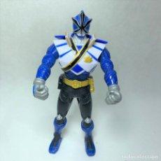 Figuras y Muñecos Power Rangers: FIGURA POWER RANGER AZUL SUPER SAMURAI - BANDAI - AÑO 2011. Lote 257397270