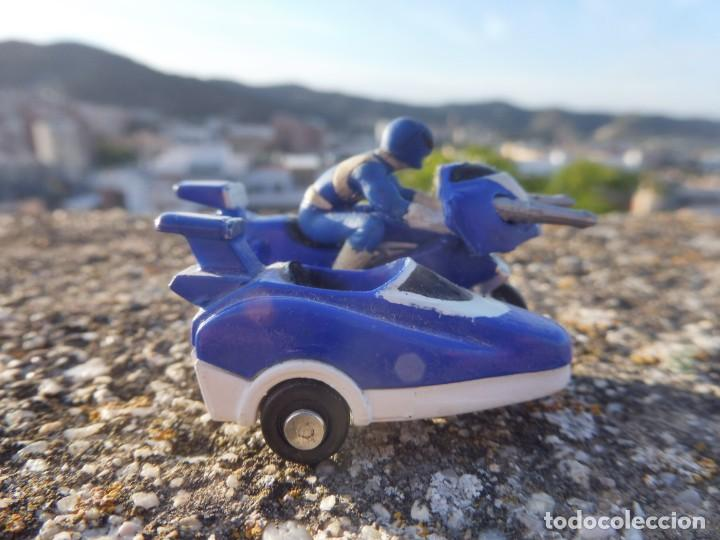 Figuras y Muñecos Power Rangers: Power rangers azul mini micro moto con sidecar Saban 1994 - Foto 6 - 264696884