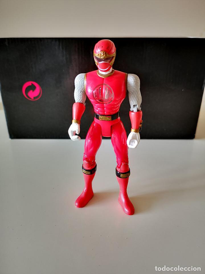 FIGURA ARTICULADA POWER RANGER ROJO BANDAI 2002 BUEN ESTADO EN GENERAL 14 CM (Juguetes - Figuras de Acción - Power Rangers)
