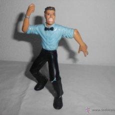 Figuras y Muñecos Pressing Catch: MUÑECO FIGURA ARBITRO WCW 1999 TOY BIZ PRESSING CATCH GOMA PVC WWE. Lote 39502067
