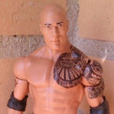 Figuras y Muñecos Pressing Catch: FIGURA WWE THE ROCK LA ROCA. Lote 93930095
