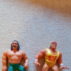 Figuras y Muñecos Pressing Catch: LOTE SNAKE SERPIENTE ROBERTS Y HULK HOGAN WWF PRESSING CATCH. Lote 128357228