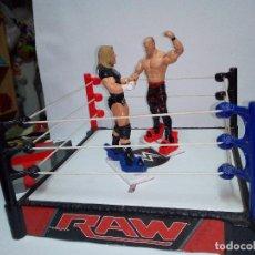 Figuras y Muñecos Pressing Catch: -RING WWE RAW SMACKDOWN PRESSINNG CATCH-C0N MOVIMIENTO-CON LANZADOR Y DOS FIGURAS MATTEL 2014. Lote 143650394