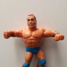 Figuras y Muñecos Pressing Catch: FIGURA TATANKA WWF WWE PRESSING CATCH HASBRO. Lote 156744386