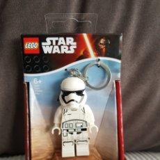 Figuras y Muñecos Secret Wars: FIGURA LEGO STAR WARS SOLDADO IMPERIAL LLAVERO CON LUZ LED. Lote 140392578