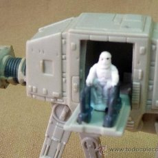 Figuras y Muñecos Star Wars: RARA NAVE, STAR WARS, PPW, 1997, LUCAS FILM, 8 X 10 CM, ANDADOR AT - AT, CON FIGURA. Lote 27936135