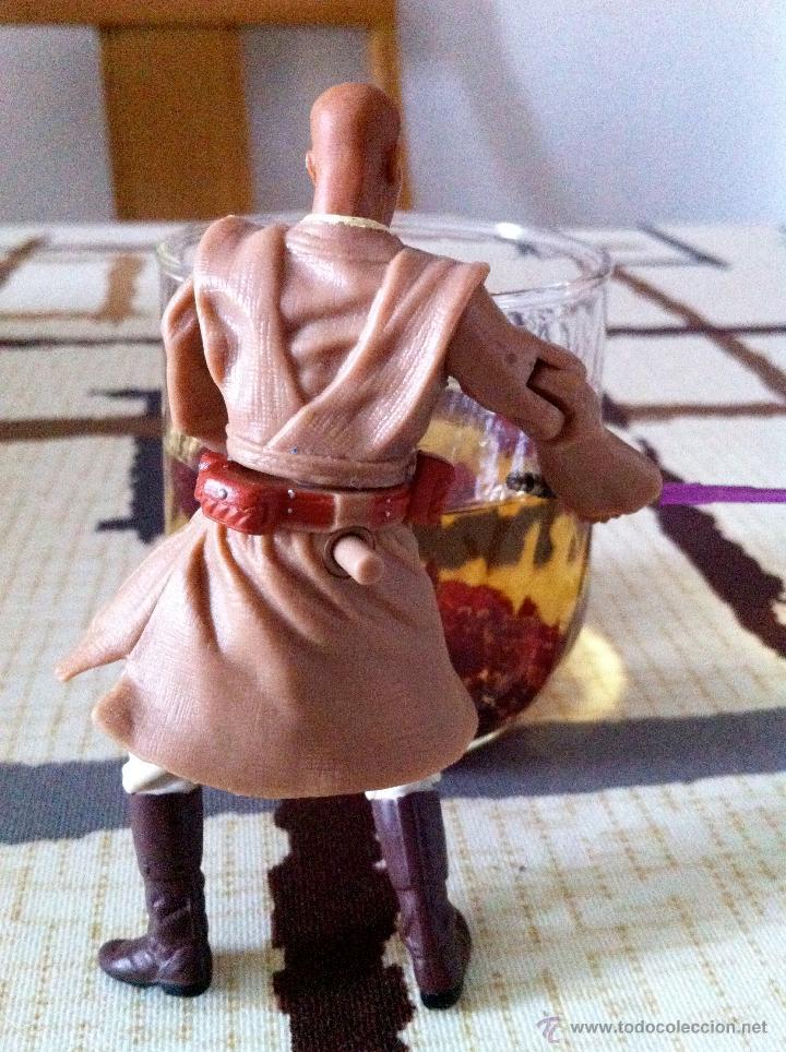Figuras y Muñecos Star Wars: Mace Windu al ataque en la batalla de Geonosis. Figura con espada de empuñadura metálica. - Foto 3 - 45226003