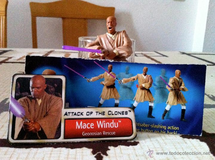Figuras y Muñecos Star Wars: Mace Windu al ataque en la batalla de Geonosis. Figura con espada de empuñadura metálica. - Foto 4 - 45226003
