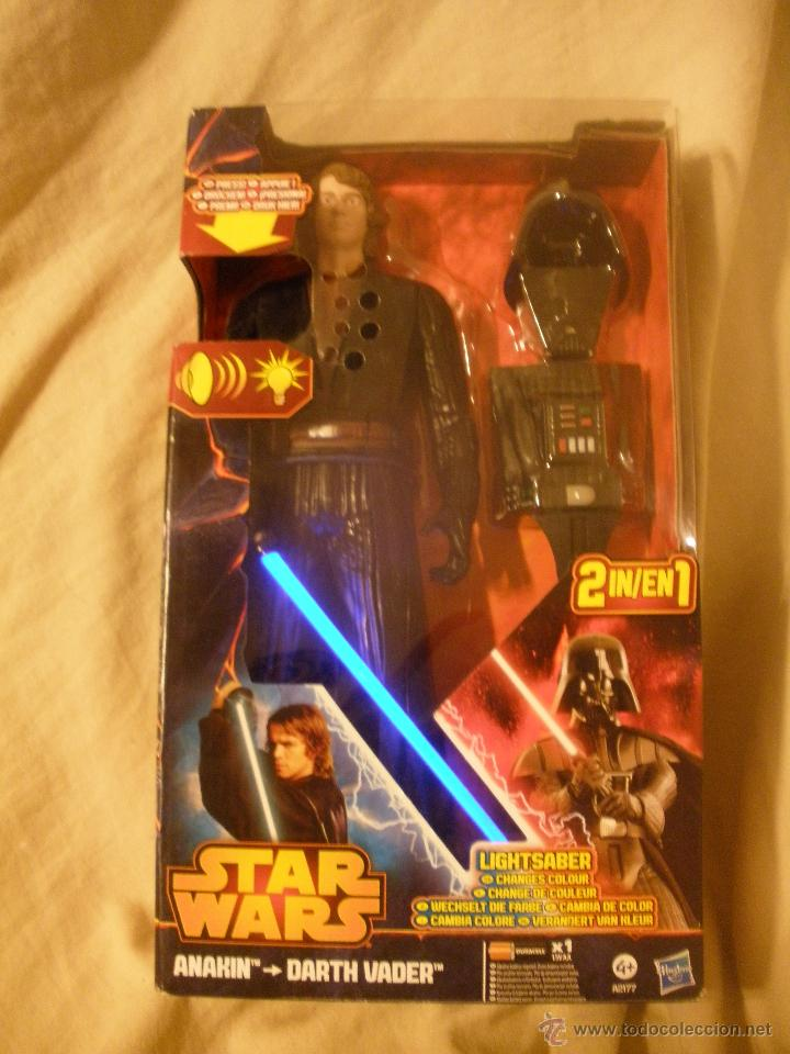 ESPECTACULAR MUÑECO STAR WARS.ANAKIN-DART VADER.2 EN 1.CON LUZ Y FRASES.DE HASBRO. (Juguetes - Figuras de Acción - Star Wars)