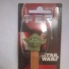 Figuras y Muñecos Star Wars: DISPENSADOR PEZ STAR WARS YODA. Lote 56013362