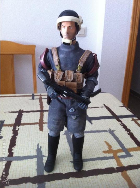Figuras y Muñecos Star Wars: STAR WARS. Oficial de de tropa Crucero Rebelde. Figura 1/6 customizada. Articulada. - Foto 2 - 49854193