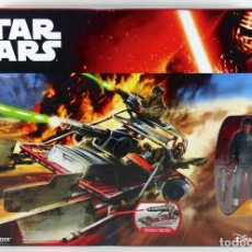 Figuras y Muñecos Star Wars: STAR WARS THE FORCE AWAKENS DESERT LANDSPEEDER CON FIGURA FINN. Lote 72317579
