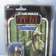 Figuras y Muñecos Star Wars: STAR WARS LOGRAY EWOK KENNER AÑO 2012 BLISTER NUEVO CON PROTECTOR DE PVC. Lote 84494168