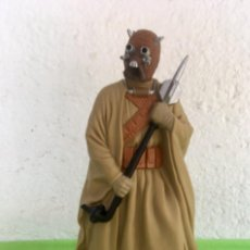 Figuras y Muñecos Star Wars: TUSKEN RAIDER STAR WARS GUERRA DE LAS GALAXIAS 1996 LFL APPLAUSE TOYS CLASSIC BOUNTY HUNTER. Lote 94369794
