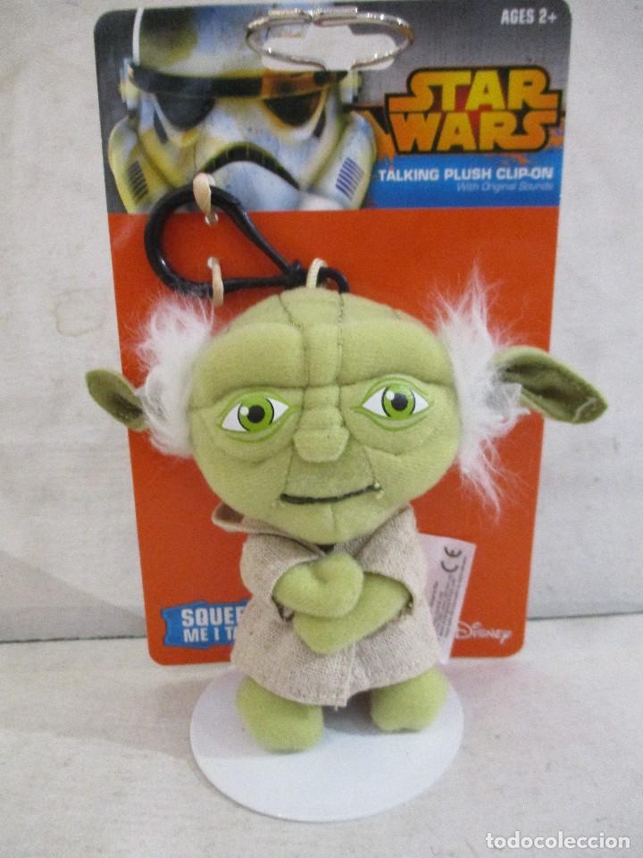 Figuras y Muñecos Star Wars: STAR WARS LLAVERO YODA CON SONIDO (FRASES) NUEVO SIN ESTRENAR DISNEY - Foto 2 - 104615211