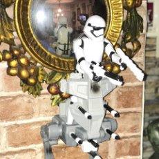 Figuras y Muñecos Star Wars: STAR WARS 12 PULGADAS FIGURAS Y VEHICULOS STORM TROOPER (PRIMER ORDEN) Y ASALTO WALKER. Lote 105059319