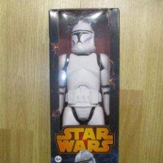 Figuras y Muñecos Star Wars: FIGURA CLONE TROOPER STAR WARS 30 CM HASBRO NUEVA SIN ABRIR. Lote 105277111