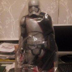 Figuras y Muñecos Star Wars: CAPITAN PHASMA 45 CM NUEVO. Lote 106044423
