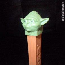 Figurines et Jouets Star Wars: YODA - STAR WARS - DISPENSADOR DE CARAMELOS PEZ. Lote 106228883