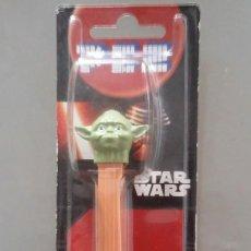 Figuras y Muñecos Star Wars: DISPENSADOR PEZ DE STAR WARS DE YODA. EN SU BLISTER SIN ABRIR. Lote 114239091
