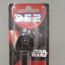 Figuras y Muñecos Star Wars: DISPENSADOR PEZ DE STAR WARS DE DARTH VADER. EN SU BLISTER SIN ABRIR. Lote 114239211