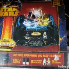 Figuras y Muñecos Star Wars: JUEGO STAR WARS - ESTADIO , CUATRO FIGURAS GIRATORIAS Y DOS FIGURAS STAR WARS DE REGALO. Lote 118660339
