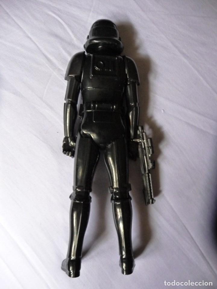 Figuras y Muñecos Star Wars: Figura star wars soldado imperial darth vader desconozco cual es - Foto 2 - 119571151
