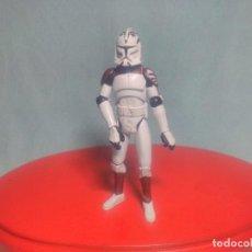Figuras y Muñecos Star Wars: FIGURA DE STAR WARS DE UN SOLDADO CLON MARRON MARCA HASBRO.. Lote 123026935