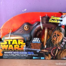 Figuras y Muñecos Star Wars: STAR WARS WOOKIE WATER BLASTER REVENGE OF THE SITH 2005 - IDEAL COSPLAY. Lote 123860279