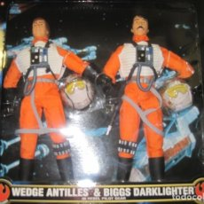 Figuras y Muñecos Star Wars: STAR WARS - WEDGE ANTILLES & BIGGS DARKLIGHTER PILOTOS REBELDES X-WING -30 CM- KENNER - 1998 EN CAJA. Lote 126779947