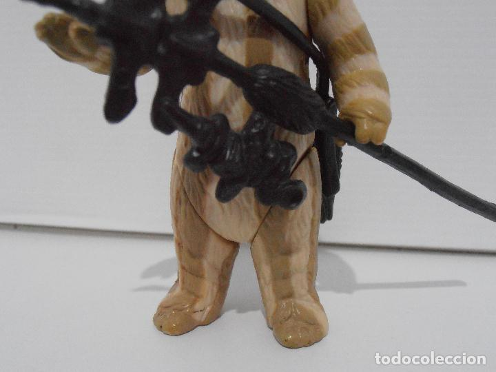 Figuras y Muñecos Star Wars: FIGURA STAR WARS, KENNER VINTAGE, EWOK LOGRAY MEDICINE MAN ARMAS ORIGINALE, EL RETORNO DEL YEDI, C-9 - Foto 3 - 129977155