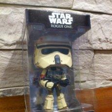 Figuras y Muñecos Star Wars: STAR WARS - ROGUE ONE - SCARIF STORMTROOPER - FIGURA - FUNKO - WOBBLERS - BOBBLE HEAD - NUEVO. Lote 130133863